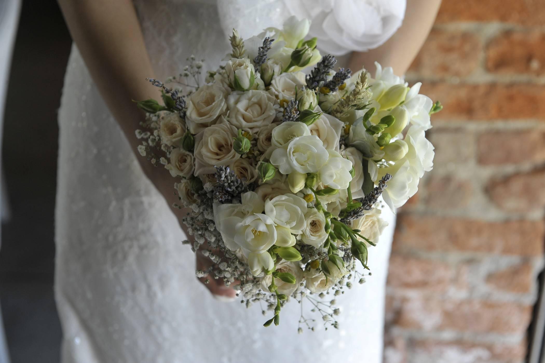 bouquet-country-shabby-fiori-campo-cascinetta-simmi-floral-design