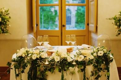 villa-bria-matrimonio-gassino-simmi-fiori-centrotavola-18