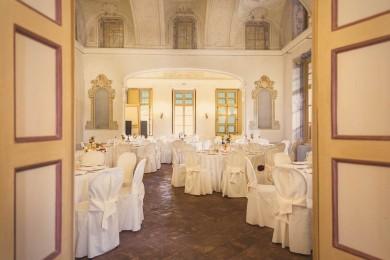 villa-bria-matrimonio-gassino-simmi-fiori-centrotavola-22