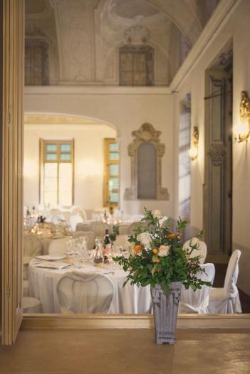 villa-bria-matrimonio-gassino-simmi-fiori-centrotavola-23