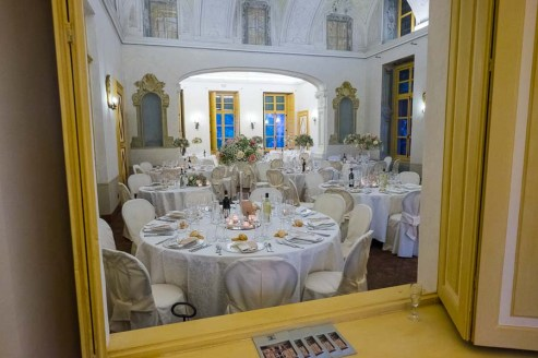 villa-bria-matrimonio-gassino-simmi-fiori-centrotavola-5