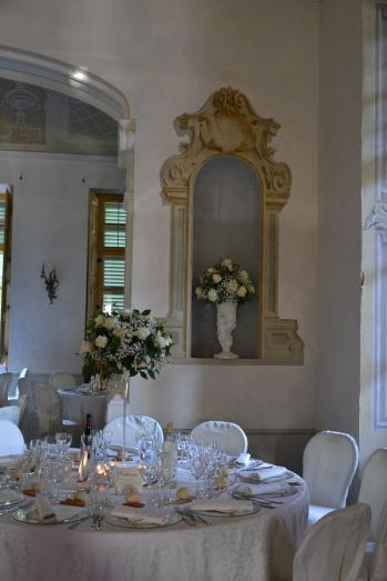 villa-bria-matrimonio-gassino-simmi-fiori-centrotavola-6